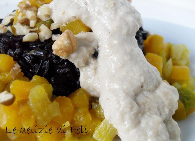 riso nero con crema di porri e noci