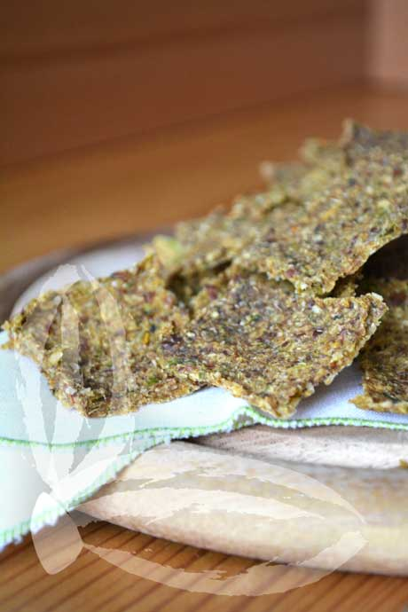 RAW-CRACKERS-DI-BROCCOLI